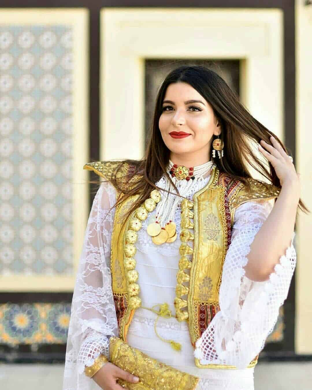 فستان زفاف عروس تونس