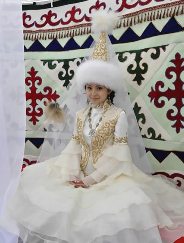 فستان زفاف عروس كازاخستان
