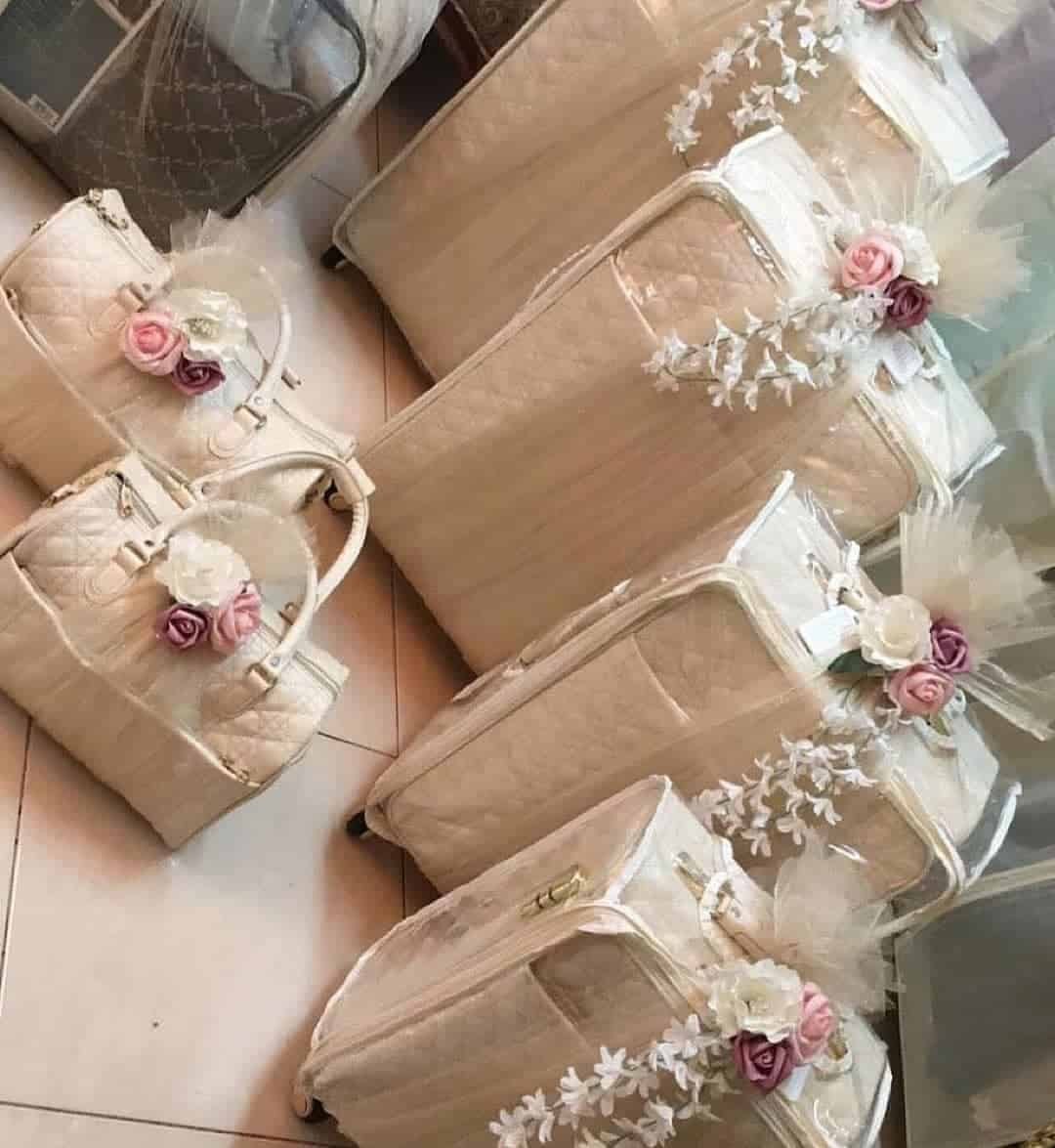 ثيم موحد لنقل أغراض العروس