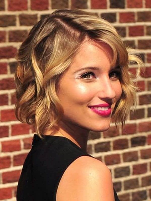 تسريحات الشعر الويفي بالصور لإطلالة متميزة