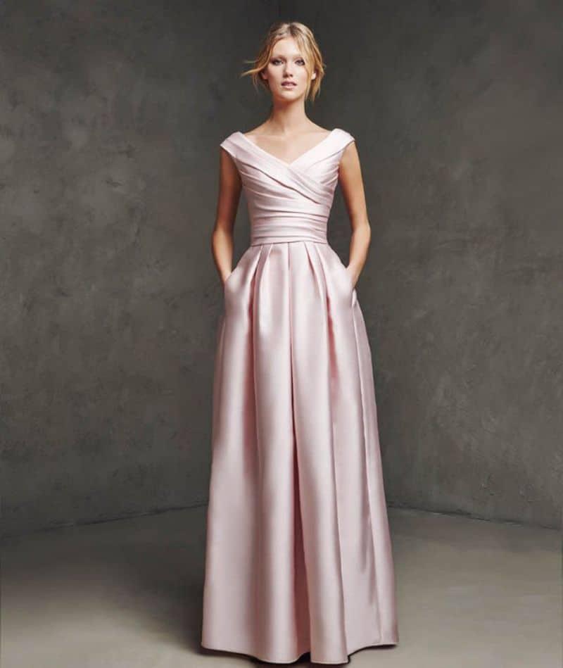 فستان طويل وعصري