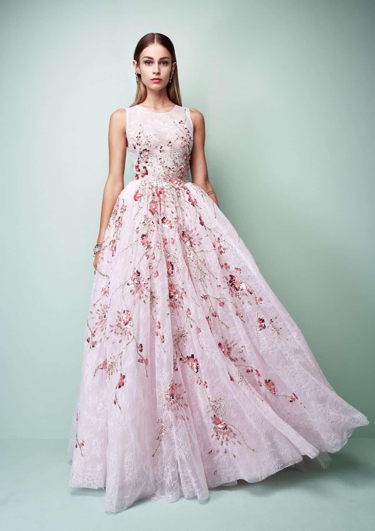 فستان بأكثر من طبقة