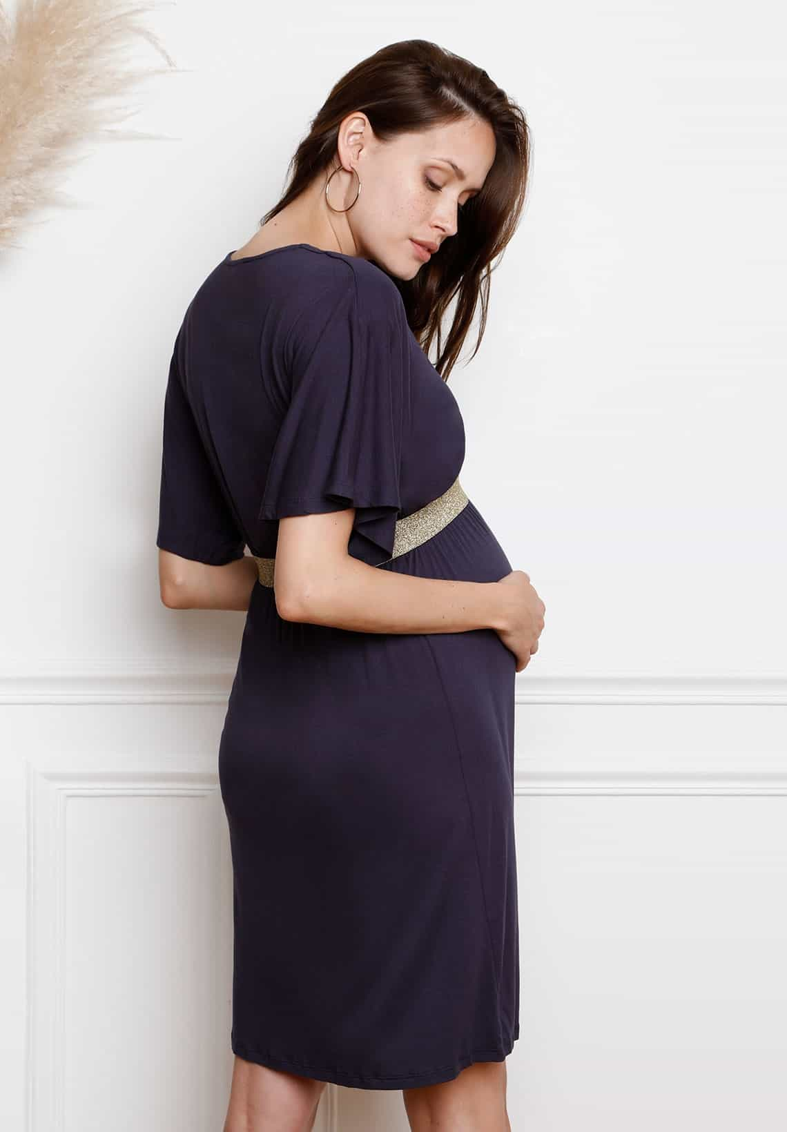فستان قصير للحوامل