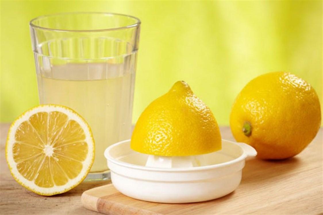 علاج علامات تمدد الجلد بواسطة عصير الليمون