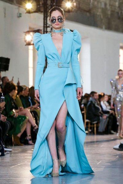 فستان خطوبة باللون الأزرق