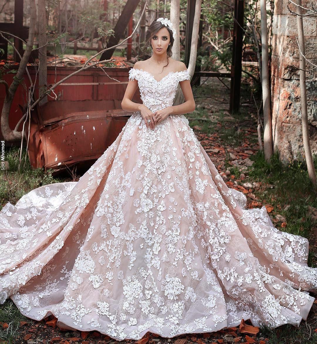 أروع فساتين الزفاف المنفوشة لإطلالة متألقة
