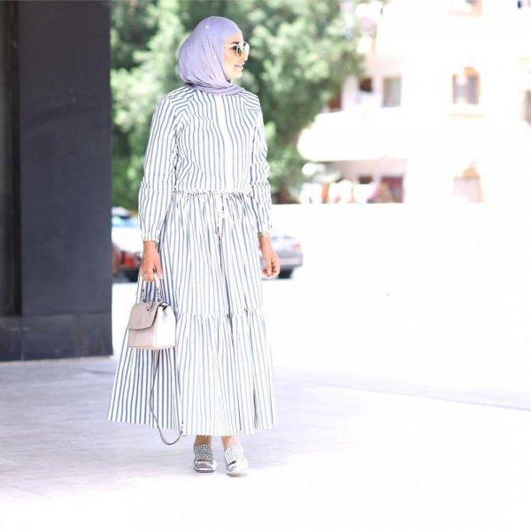 افكار لتنسيق الفساتين المخططة عليك اكتشافها