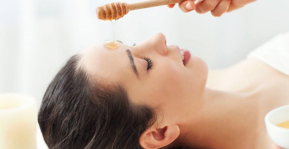 وصفة السكر مع العسل لتقشير البشرة