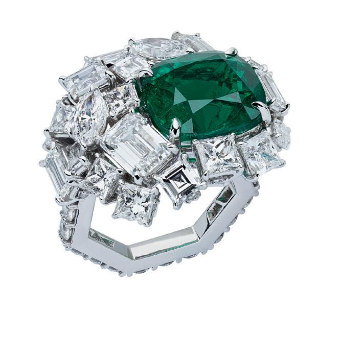 خاتم زمرد امبريال اميرالد Vert Imperial Edmerald من علامة فير ديور فاين جوليري Dior Fine Jewelry
