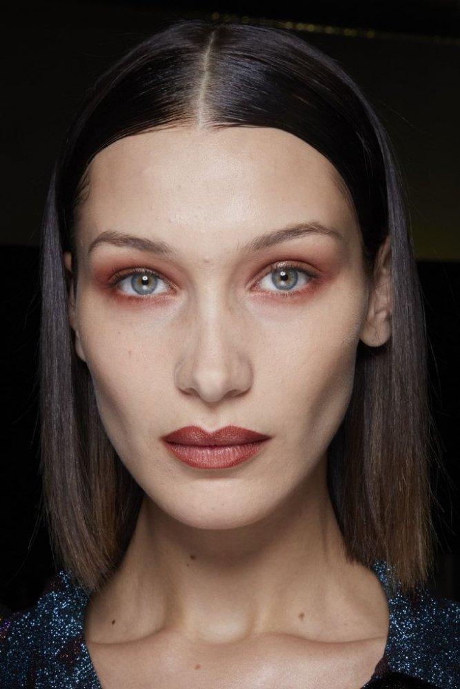رسمات عيون باللون المشمشي