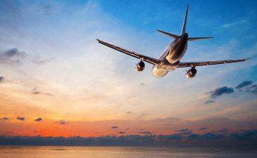 أهم النصائح للبقاء آمنين خلال السفر بالطائرة في شهر العسل