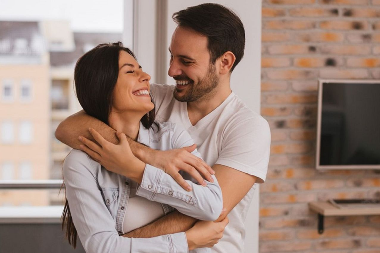 6 طرق لتحفيز التواصل مع زوجك بعد الشجار