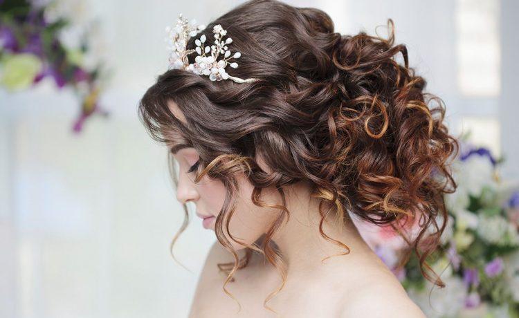 تسريحات شعر لبنانية ناعمة لعروس 2021