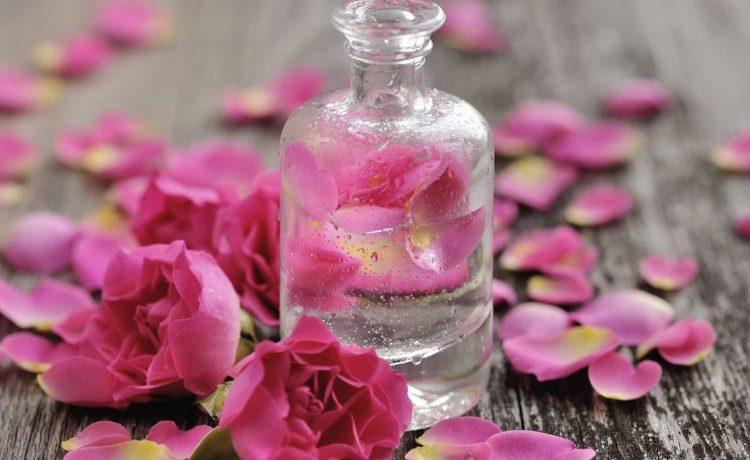 ماء الورد للبشرة