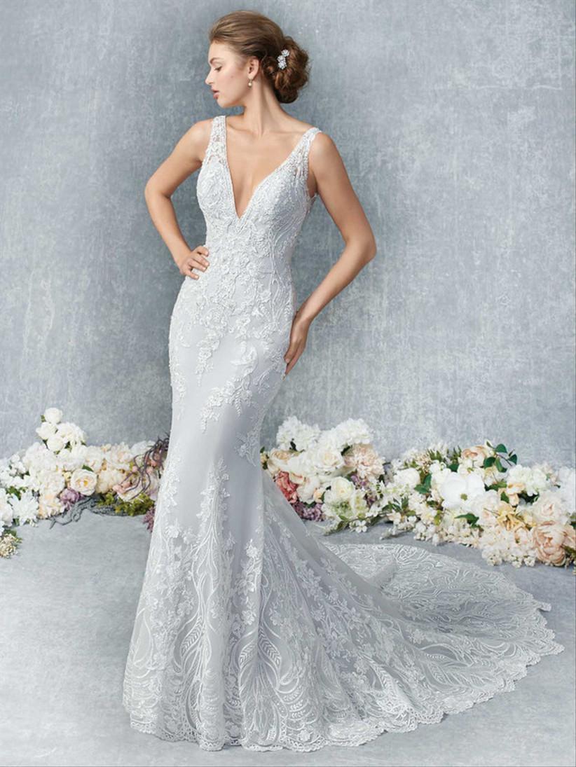 فستان زفاف بقصة حورية البحر مطرز بالخرز الأبيض