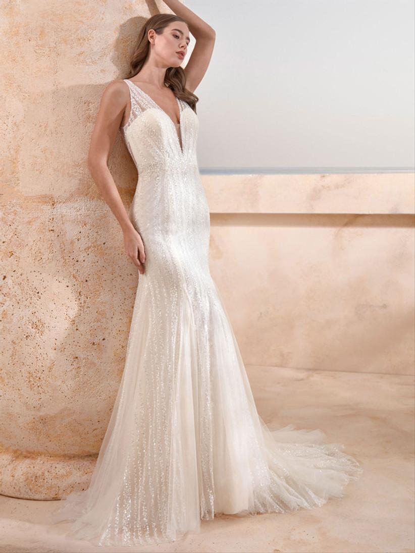 فستان زفاف بقصة حورية البحر بطبقة لامعة