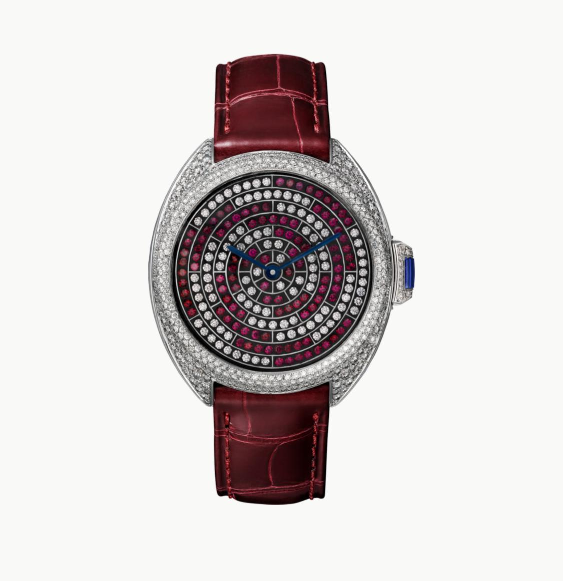 ساعة يد من علامة Cartier