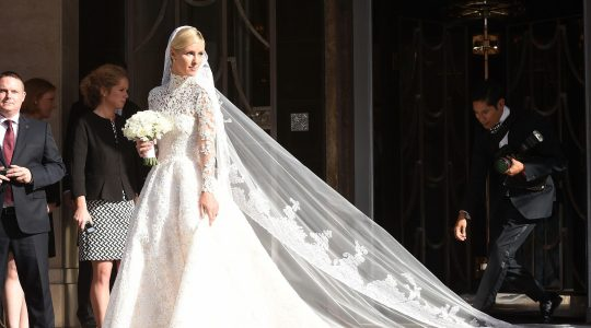 9 موديلات فساتين زفاف بقصات محتشمة وأنيقة للعروس
