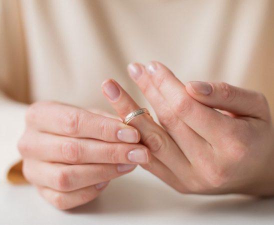 نصائح لتجاوز علاقة خطوبة فاشلة