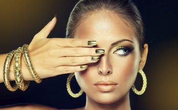 موديلات أساور عريضة من الذهب الأصفر للعرائس