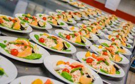 نصائح لإنجاح تنسيق بوفيه المأكولات والمشروبات في حفل الزفاف