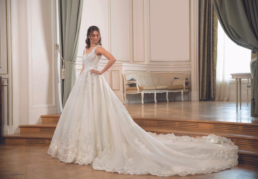 التشكيلة الجديدة من فساتين العرائس من دار أزياء Pronuptia