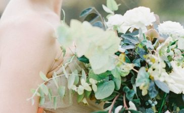 اختاري الورد المناسب لليلة الزفاف بهذه الطرق